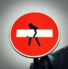 Divertidas intervenciones sobre señales de tráfico | toppli