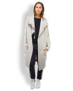 Roque Mantel Material-Mix Beige  stylischer langer Mantel von Roque aus einer hochwertigen Woll-Mischung in Beige  - versetzter Druckknopfverschluss - Ärmel in Leder-Optik - seitliche Einstecktaschen - lässiger Schnitt