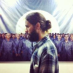JARED LETO @JaredLeto Cuban art and me #cuba http://instagram.com/p/xnkOVXTBai/