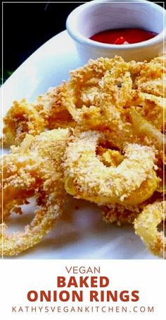 Oil free baked onion rings will become the new weeknight favorite.  It was important to me to find out how to make vegan onions rings without oil and I created the perfect recipe. Vegan Appetizers, Vegan Snacks, Delicious Vegan Recipes, Tasty, Baked Onion Rings, Baked Onions, Vegan Side Dishes, Vegan Style, Vegan Kitchen