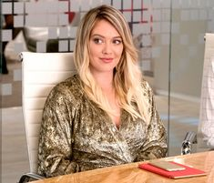 See the Lizzie McGuire star grow up in front of our eyes Hilary Duff Kids, Younger Cast, Celebration Gif, Lizzie Mcguire, Celebrity Moms, Celebs, Celebrities, The Duff, Cover Up