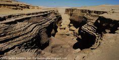 """""""Cañón de los perdidos"""", un paisaje oculto en el desierto de Ica.  Un boquerón enorme se abre en la ruta del casi desaparecido río Seco en el departamento de Ica, es el llamado """"Cañón de los Perdidos"""" con un aproximado de cinco kilómetros de extensión."""