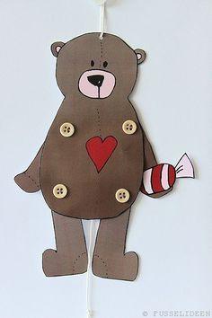 Hampelbär Mehr Animal Crafts For Kids, Fall Crafts For Kids, Diy For Kids, Paper Puppets, Paper Toys, Diy Paper, Paper Art, Plate Crafts, Bear Art