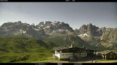 #SkiareaCampiglio | Impossibile resistere al fascino delle #Dolomiti di Brenta, patrimonio naturale #UNESCO , #OrgoglioItalia!