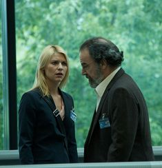 """Claire Danes y Mandy Patinkin en """"Homeland"""", 2011 Claire Danes, Carrie Mathison, Spy Shows, Netflix, First Tv, Homeland, Season 1, Favorite Tv Shows, Movies And Tv Shows"""