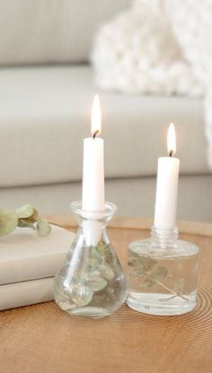 DIY Westwing: Castiçal minimalista - Best Picture For diy For Your Taste You are looking for something, and it is going to tell you ex - Bathroom Candles, Diy Bathroom Decor, Diy Home Crafts, Diy Home Decor, Diy Para A Casa, Diy Candles Easy, Gel Candles, Christmas Crafts, Christmas Decorations