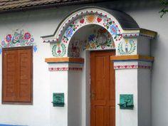 Slovensko - Slovakia - Slowakei Polish Folk Art, Heart Of Europe, Family Roots, Eastern Europe, Czech Republic, Home Improvement, Windows, Architecture, European Countries