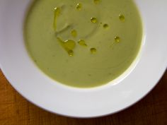Creamy paleo broccoli soup in just 15 minutes using 5 pantry ingredients