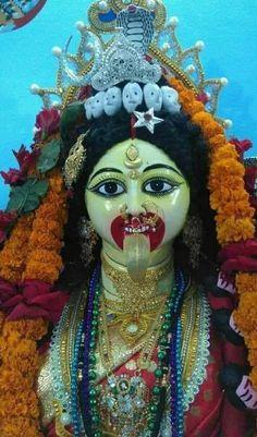 Mother Kali, Kali Mata, Hanuman Wallpaper, Kali Goddess, Great Life, Indian Gods, Gods And Goddesses, Durga, Hinduism