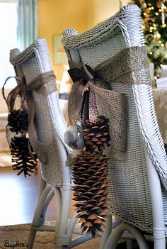 Burlap and pine cones