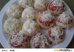 Jogurtové langoše Ládi Hrušky recept - TopRecepty.cz Dumplings, Pizza, Garlic, Toast, Dairy, Bread, Cheese, Dinner, Vegetables