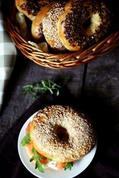 Bajgle czyli bułki z dziurką Food Photography Styling, Food Styling, Bagel, Bread, Homemade, Polish, Enamel, Manicure, Hand Made