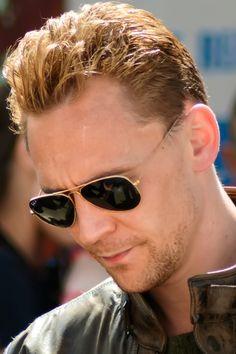 Tom Hiddleston filming 'The Night Manager' in Hartland. Full size photo [UHQ]: http://i.imgbox.com/9ulMj4TB.jpg. Source: http://torrilla.tumblr.com/post/117171739445/torrilla-tom-hiddleston-filming-the-night#notes