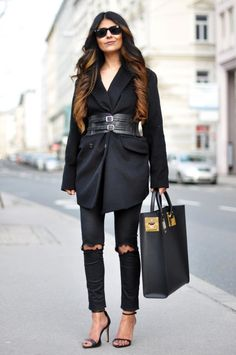 blazer with wide belt and skinny jeans