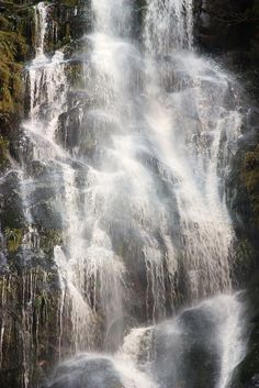 Rust en Vrede waterfall by Yipski, via Flickr, South Africa