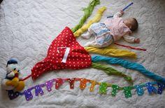 はじめての寝相アート☆さくら☆ Monthly Baby Photos, Baby Kiss, Photo Souvenir, Baby Frame, Foto Baby, Jolie Photo, Baby Art, Creative Kids, Baby Month By Month