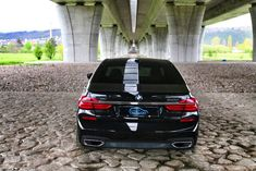Půjčovna BMW 740d xDrive AUTOMAT výhodně   Autopůjčovna OneTwoGo Bmw, Vehicles, Car, Vehicle, Tools