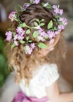 Wreath of flowers for the flower girl in this vintage Texas country wedding. Flowers by Tamara Menges Designs. Photo by Archetype Photography (via Colin Cowie Weddings). Cute Little Girl Hairstyles, Cute Hairstyles, Wedding Hairstyles, Color Lila, Floral Headpiece, Mod Wedding, Purple Wedding, Wedding Ceremony, Wedding Flowers