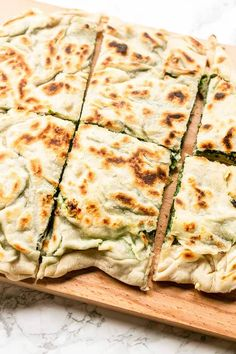 How To Make The Best Gozleme {Easy Recipe} - The Tortilla Channel Looking for a tasty lunch or dinner? Try this gozleme with spinach and feta recipe. This Turkish flatbread is unleavened so done in no time and so tasty! Veggie Recipes, Lunch Recipes, Vegetarian Recipes, Cooking Recipes, Dinner Recipes, Healthy Recipes, Whole30 Recipes, Summer Recipes, Pasta Recipes