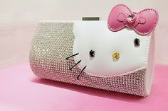 Hello Kitty Clutch....I want this!!!