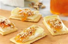 Warm Brie Crackers
