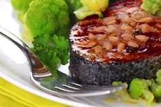 U Weight Loss Clinics – Cranberry Salmon with Pine Nuts Low Cal Diet, Lunch Recipes, Salmon, Seafood, Pine, Healthy Eating, Yummy Food, Weight Loss, Sea Food