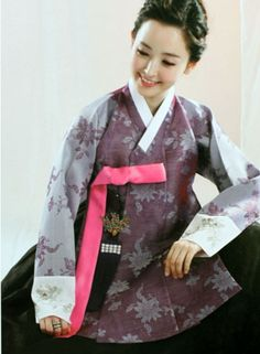 This photo of the dress is Korea's traditional costume Hanbok.