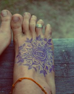 Love this. I'd never do it because of the pain factor of a foot tattoo, but still love it.