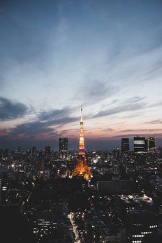 羊 texture like mouton — tokyo tower at sunset. Tokyo City, Tokyo Streets, Tokyo Japan, Aesthetic Japan, City Aesthetic, Tokyo Skyline, Paris Skyline, Iphone Wallpaper Japan, Wallpaper Backgrounds