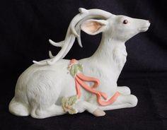 GG Santiago Enesco 1989 Christmas Holly Fleeting Glance Deer Figurine Vintage