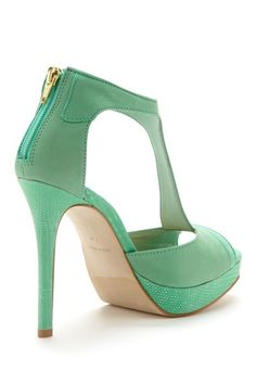 Steve Madden Kaciee Sandal...seriously..have to rock these!