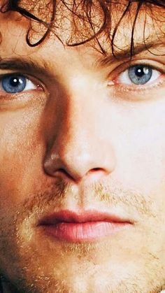 O.M.G. Closeup of Sam Heughan as James Alexander Malcolm MacKenzie Fraser | Outlander on Starz. GREAT SCOT!