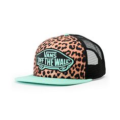 The Vans Girls Beach Girl Mint Leopard trucker hat blends fierce comfort with minty fresh styling. Make a fashion statement in a leopard print padded front with a mint bill and Vans Off The Wall patch at the front and a snapback sizing piece so the Vans G