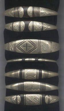 *4x Tuareg tribe metal ebony inlaid bracelets*