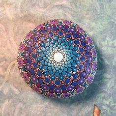 Mandala Stone Large van KimberlyVallee op Etsy