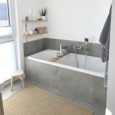 grey tiling example for bathroom Apartment Interior Design, Bathroom Interior Design, Bathroom Goals, Clawfoot Bathtub, Bathroom Inspiration, Future House, Decoration, Sweet Home, New Homes