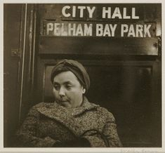 """Photographer Walker Evans used a homemade """"hidden camera"""" apparatus to shoot these anonymous subway portraits, which eventually ended up in his 1966 book Many Are Called. New York Subway, Nyc Subway, Walker Evans, Image Archive, Digital Image, Black And White Photography, Vintage Photos, Art Photography, Old Things"""