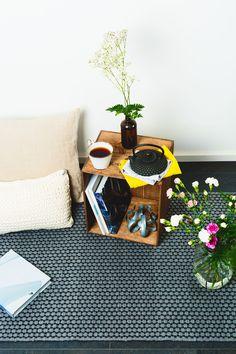 Harmaa Satakieli-matto Turntable, Furniture, Design, Home Decor, Record Player, Decoration Home, Room Decor, Home Furnishings