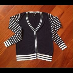 Navy Blue & White Stripe Button Cardigan Sweater Cute Forever 21 Navy Blue & White Button Cardigan Sweater. Worn a couple of times. size S SMALL . made in China. 60% viscose 40% cotton. Forever 21 Sweaters Cardigans