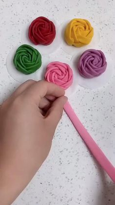 Fondant Flower Tutorial, Fondant Flowers, Clay Flowers, Fabric Flowers, Fondant Rose, Cake Decorating Frosting, Cake Decorating Videos, Cake Decorating Techniques, Polymer Clay Crafts