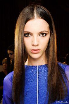 Wie man glattes glattes Haar mit einem Blowdry erhält #blowdry #einem #erhalt #glattes