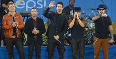 Backstreet Boys lança nova música. Ouça aqui 'In A World Like This' - Confira a nova música da carreira de 20 anos da boy band Backstreet Boys, 'In A World Like This'. E, Nick Carter dá conselho para os meninos da banda One Direction!