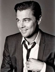 Leonardo DiCaprio is an American actor with Italian roots Leonardo Di Caprio Leonardo Dicaprio Fotos, Leonardo Dicaprio The Departed, Leonardo Dicaprio Great Gatsby, Leonardo Dicaprio Inception, Gorgeous Men, Beautiful People, Academy Awards Best Picture, Chaning Tatum, I Love Cinema