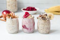 Tu as envie de faire différent des toasts au beurre de peanut, mais pas envie de te lever 5 minutes plus tôt le matin? Ce déjeuner est pour toi! Le gruau préparé la veille ne nécessite que quelques ingrédients, et AUCUNE cuisson. C'est du gruau froid, qu'on prépare la veille et qu'on laisse reposer au...Read More » Mousse, Healthy Breakfast Recipes, Granola, Coco, Meal Prep, Smoothies, Oatmeal, Food And Drink, Pudding
