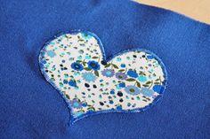 Le tuto de ma pochette à langer | pour mes jolis mômes, mais pas que... Diaper Clutch, Crochet Basket Pattern, Baby Couture, Changing Mat, Wet Bag, Elsa, Miniatures, Textiles, Sewing