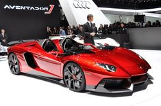 Lamborghini The Aventador J - voor een kleine 2,74 miljoen dollar. Voor dat geld  geen navi, airco etc. maar zelfs geen dak of voorruit! Er is er maar één van gemaakt en al verkocht!
