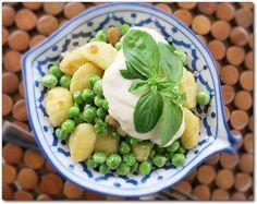 Gluten free Gnocchi w Peas, Basil & Lemon Sauce - vegan with a smile!