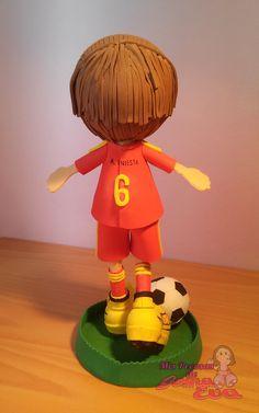 Fofucho Futbolista Iniesta. Vista Posterior. *Contactar conmigo en: mispecosasdegomaeva@gmail.com*       *Visita mi blog: http://mispecosasdegomaeva.blogspot.com.es*