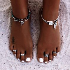 anklets and toe rings Cute Jewelry, Boho Jewelry, Jewelry Accessories, Fashion Accessories, Jewellery Box, Jewellery Shops, Jewlery, Lovisa Jewellery, Beach Jewellery