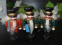 Vintage Weihnachtsbaumschmuck Weihnachtsdekoration Holz Baumschmuck Advent Nußknacker von VintageLoppisStyle auf Etsy